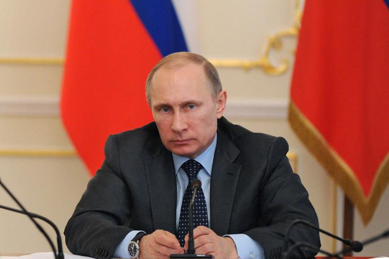 """Vladimir Poutine a assuré qu'il n'avait """"aucune intention"""" d'envahir le sud ou l'est de l'Ukraine"""