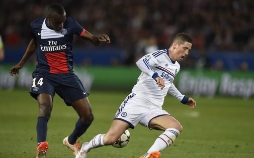 Blaise Matuidi face à Fernando Torres lors du quart de finale aller de Ligue des champions face à Chelsea, le 2 avril 2014