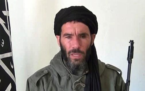Le chef jihadiste Mokhtar Belmokhtar sur un extrait vidéo non daté.