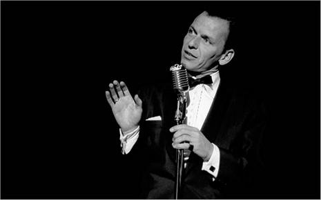 Sinatra sur scène à Las Vegas - crédit site officiel de Frank Sinatra