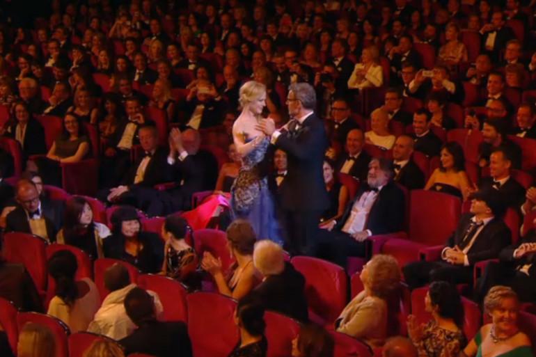 Lambert Wilson danse avec Nicole Kidman durant la cérémonie d'ouverture