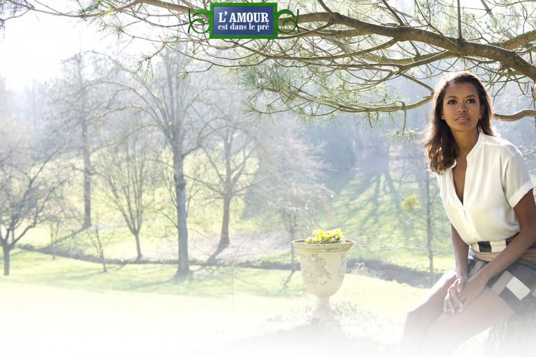 """Karine Le Marchand anime """"L'Amour est dans le pré"""" depuis 5 saisons consécutives"""