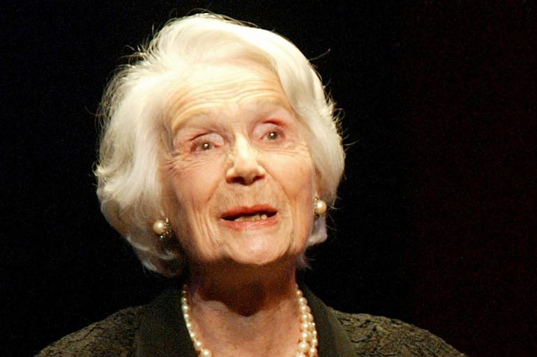 La comédienne Gisèle Casadesus a reçu un Molière d'honneur en hommage à sa carrière, le 12 mai 2003 lors de la 17e Nuit des Molières