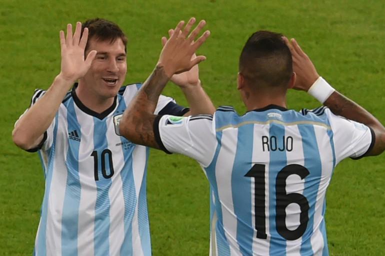 Messi et Rojo lors du match de l'Argentine face à la Bosnie, le 16 juin 2014