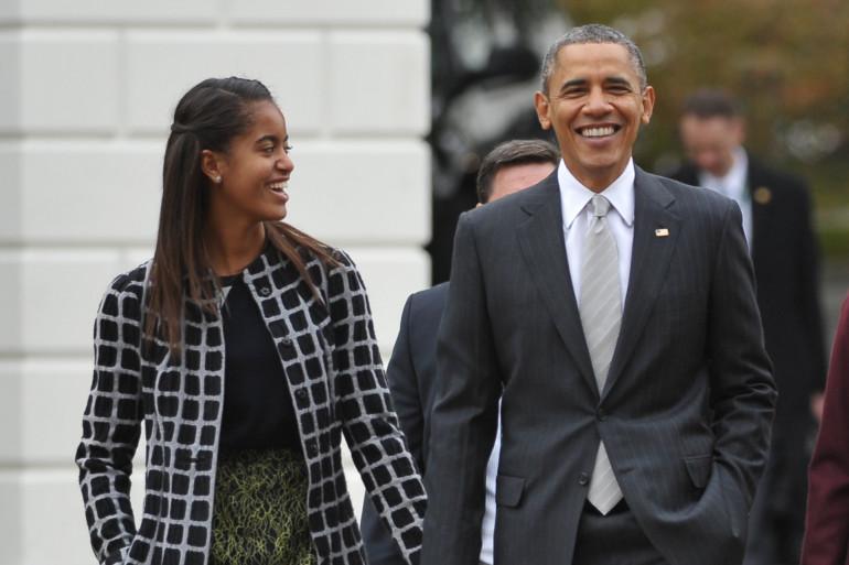 Malia Obama aux côté de son père Barack Obama