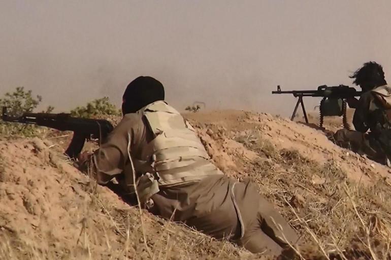 Une photo diffusée sur le compte twitter islamiste al-Baraka sur laquelle des jihadistes d'EIIL seraient aux prises avec des militaires irakiens