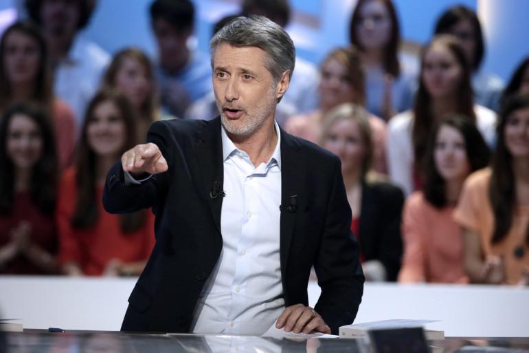 Antoine De Caunes, présentateur du Grand Journal de Canal +