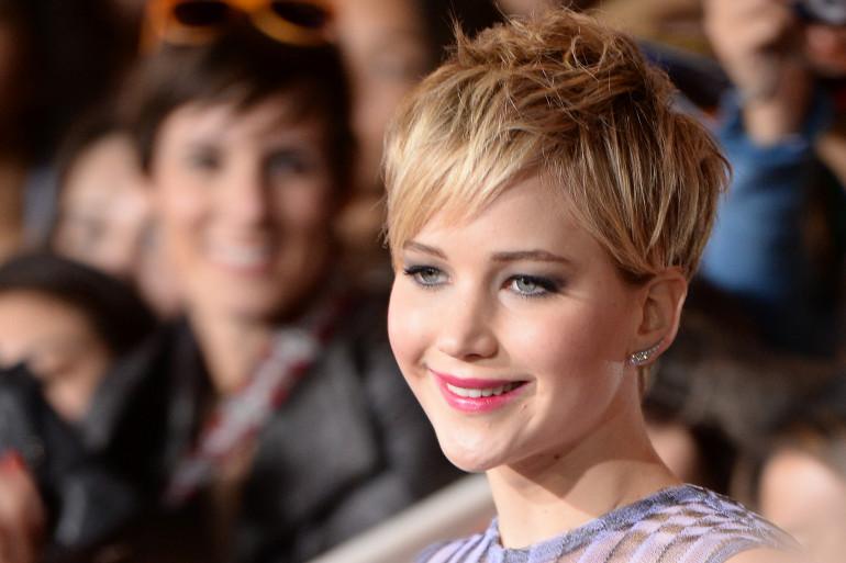 """L'actrice Jennifer Lawrence lors de l'avant premier du film """"The Hunger Games : l'Embrasement"""" le 18 novembre 2013"""