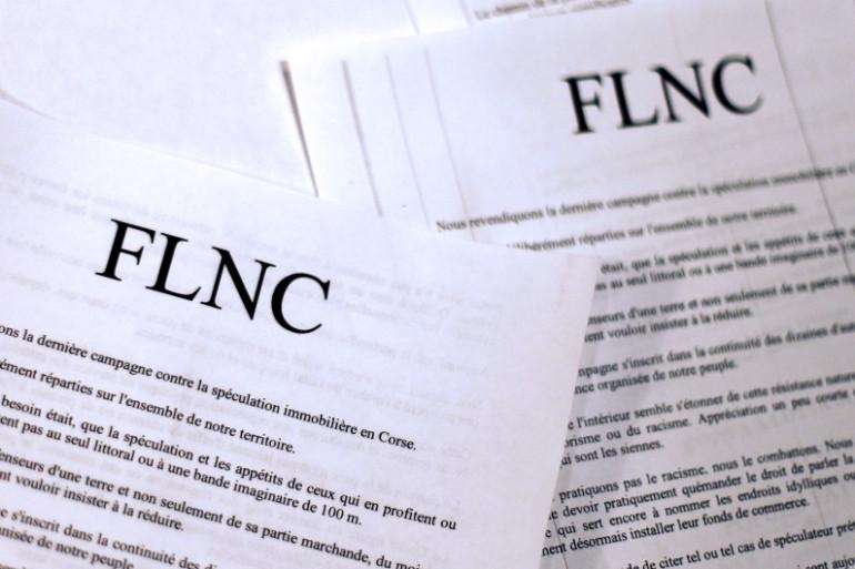 Des communiqués de presse du FLNC, le Front de libération nationale de la Corse, le 19 décembre 2012 (archives)