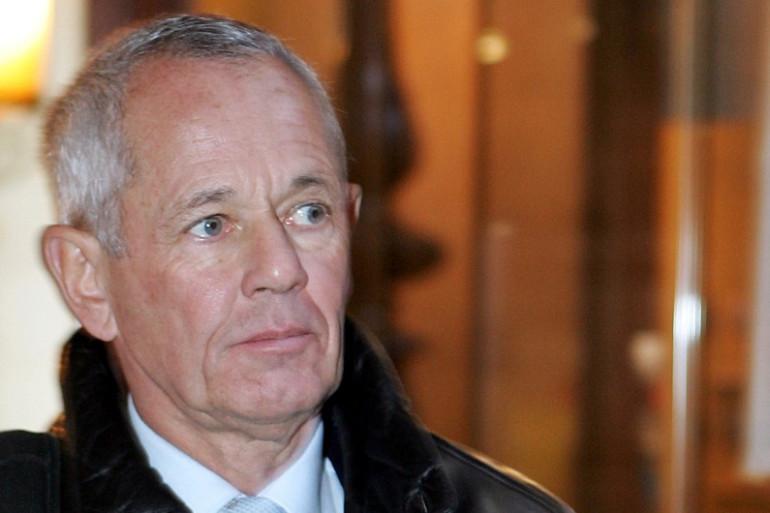 L'ancien capitaine de gendarmerie Paul Barril  au palais de Justice de Paris, en décembre 2004 (archive).