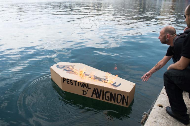 Malgré la grève, le festival d'Avignon aura lieu mais sera perturbé