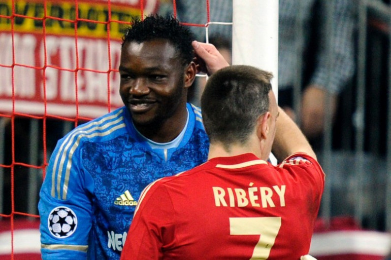 Steve Mandanda et Franck Ribéry, ici en avril 2012, n'iront pas au Brésil soutenir les Bleus.