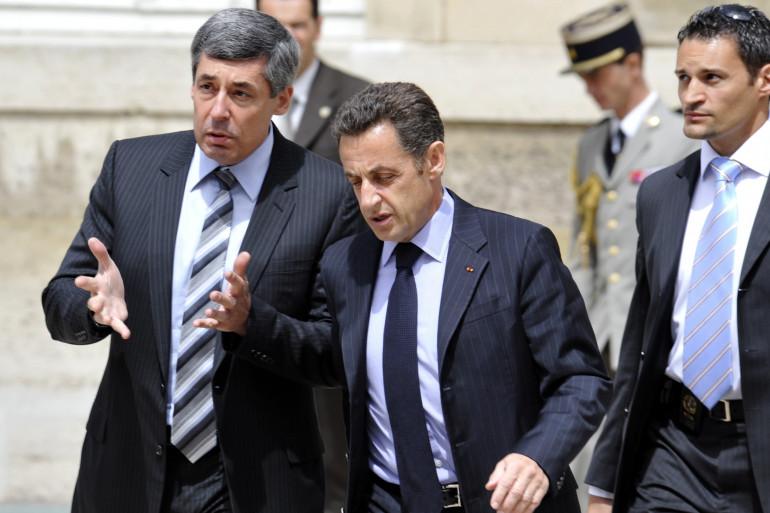 Henri Guaino avec Nicolas Sarkozy, le 12 juillet 2008, à Paris. (archives)
