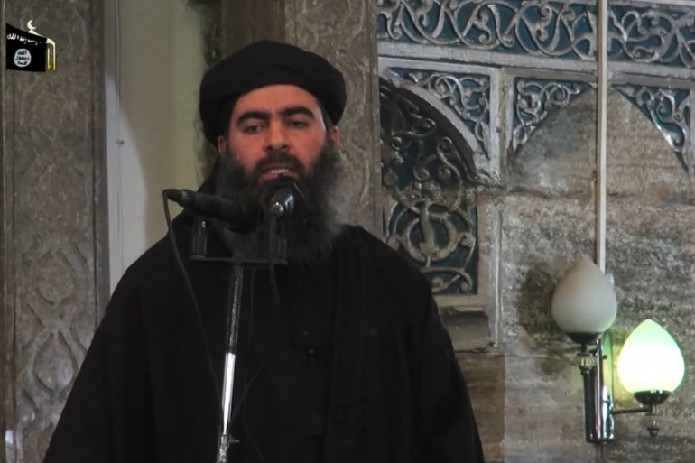 Abou Bakr Al-Baghdadi, chef de l'Etat islamique, dans une image vidéo de prêche publiée le 5 juillet.