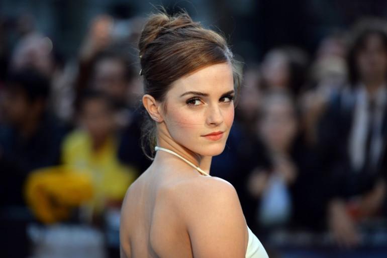 """Emma Watson sur le tapis rouge de Leicester Square, à Londres, à l'occasion de la première du film """"Noé"""", le 31 mars 2014"""