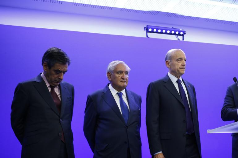 François Fillon, Jean-Pierre Raffarin, Alain Juppé et Luc Chatel avant une conférence de presse au siège de l'UMP à Paris mardi 8 juillet 2014