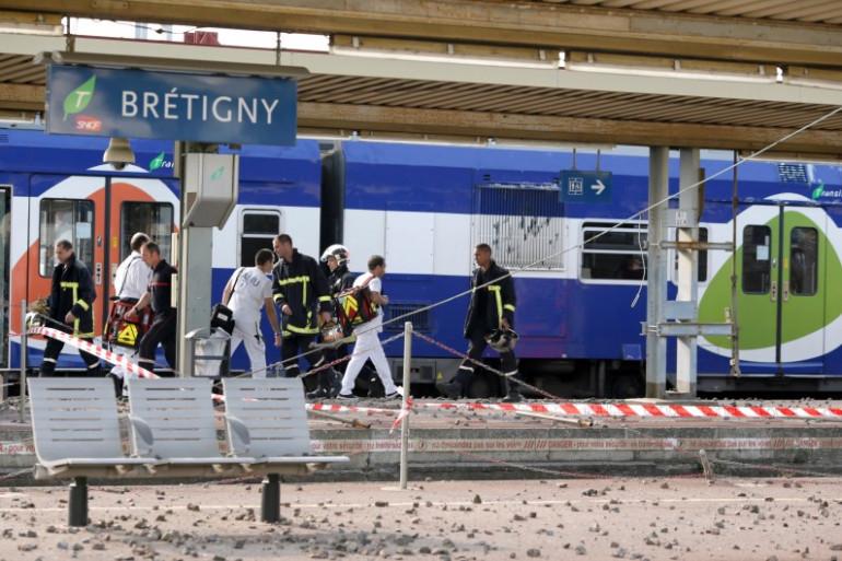 Les secours à la gare de Bretigny-sur-Orge près de Paris le 12 juillet 2013 (archives).
