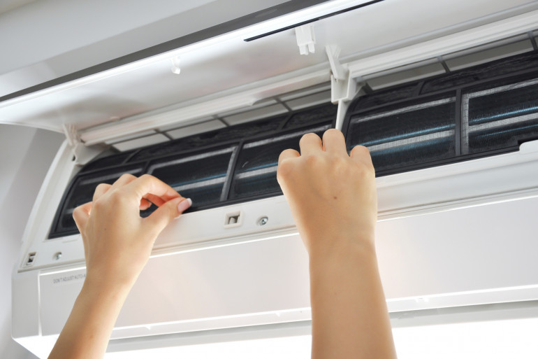 Changer le filtre d'un climatiseur