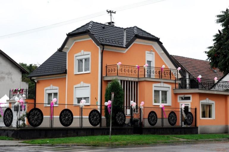 La maison en Croatie de l'une des familles poursuivies pour avoir contraint des enfants à voler, ici en septembre 2013.