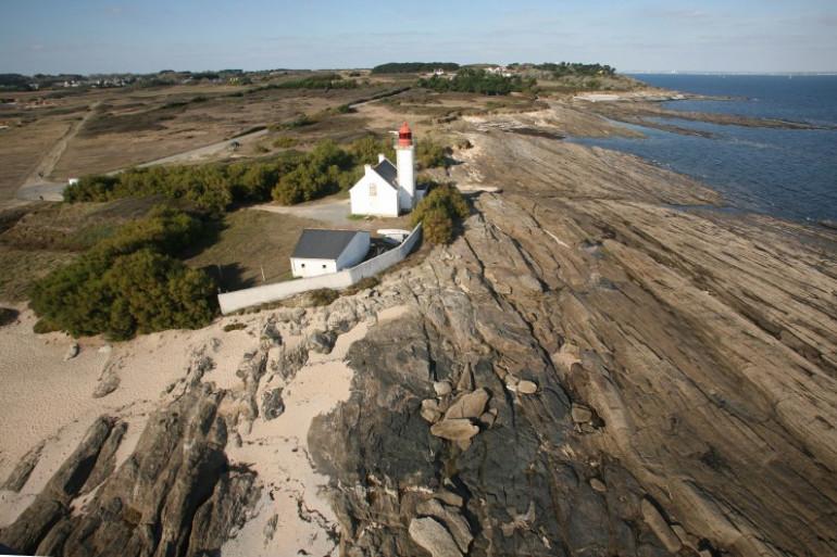 Vue aérienne du phare de la Pointe des chats, sur l'île de Groix, le 18 octobre 2007 (archives)