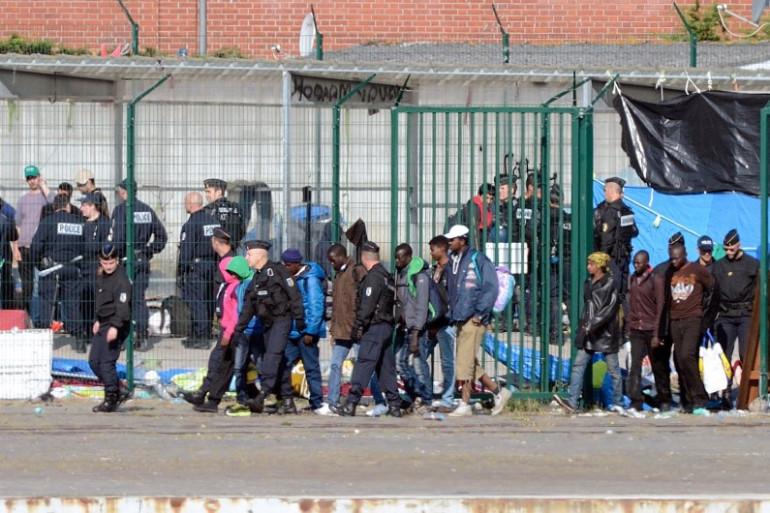 Un camp de migrants en cours d'évacuation, le 2 juillet 2014 à Calais (image d'illustration)
