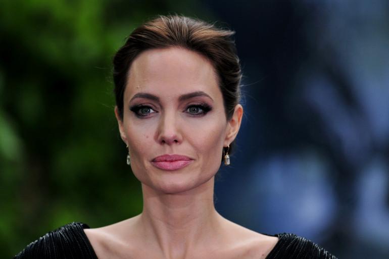 """5. Angelina Jolie, l'actrice de """"Maléfique"""", 18 millions de dollars."""