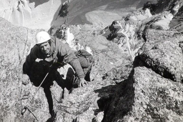 René Desmaison escalade les Grandes Jorasses