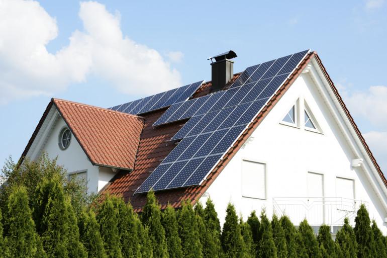 La climatisation solaire est un dispositif réversible qui peut aussi servir de chauffage l'hiver