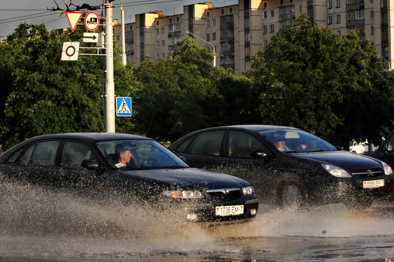 La pluie multiplie le risque d'accidents de voiture