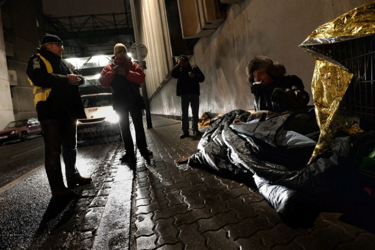 Un sans-abri dans une rue de Strasbourg, le 25 novembre 2013.