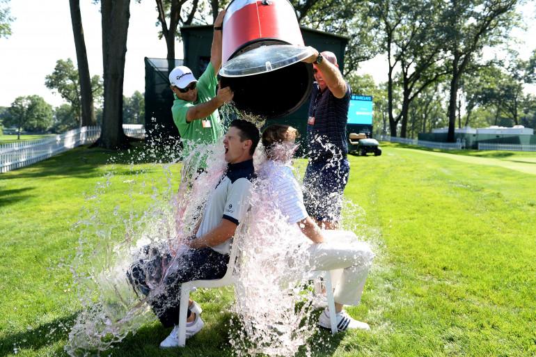 Des joueurs de golf relèvent le Ice Bucket Challenge (ILLUSTRATION)