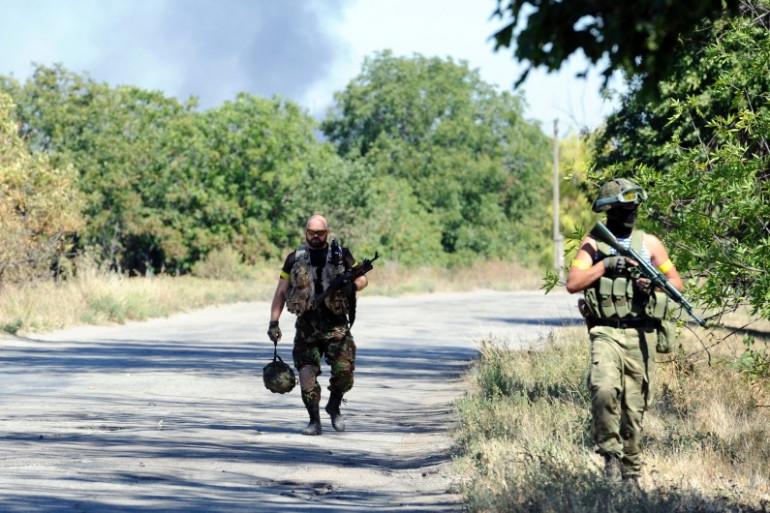 Des militaires ukrainiens dans la région de Novoazosk, en Ukraine, le 27 août 2014.