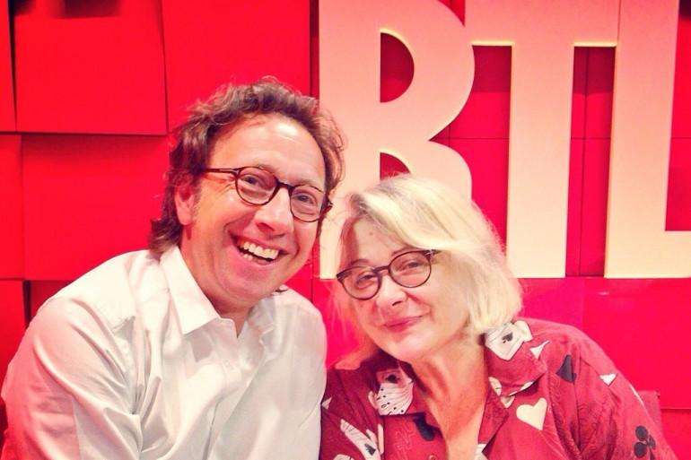Stéphane Bern reçoit Josiane Balasko dans le studio d'A La Bonne Heure, lundi 1er septembre 2014.