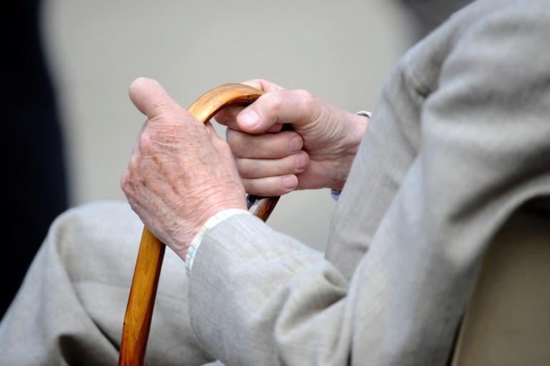 Selon un sondage, près de trois seniors sur quatre sont sollicités par leurs parents (Archives).