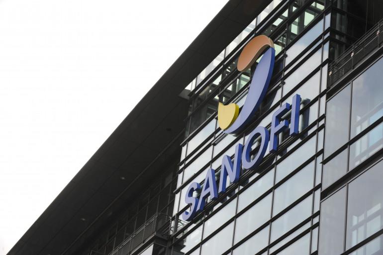 Le logo de Sanofi le 25 septembre 2012 à Paris (archives)