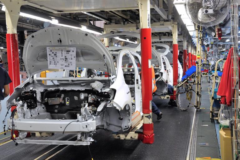 Une chaîne de montage de véhicules au sein de l'usine Toyota de Onnaing, dans le Nord, le 8 octobre 2012 (archives)