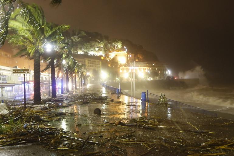 La promenade des Anglais à Nice après les fortes pluies qui ont frappé le sud-est de la France le 4 novembre.