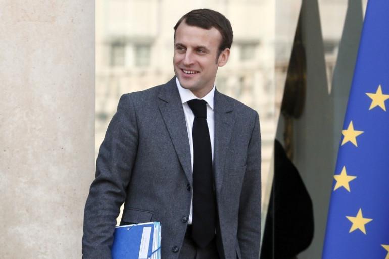 Emmanuel Macron, le 5 novembre 20174, devant le Palais de l'Élysée