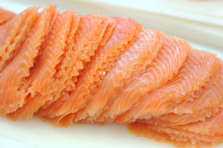 Il y a une filière du fumage de saumon en France