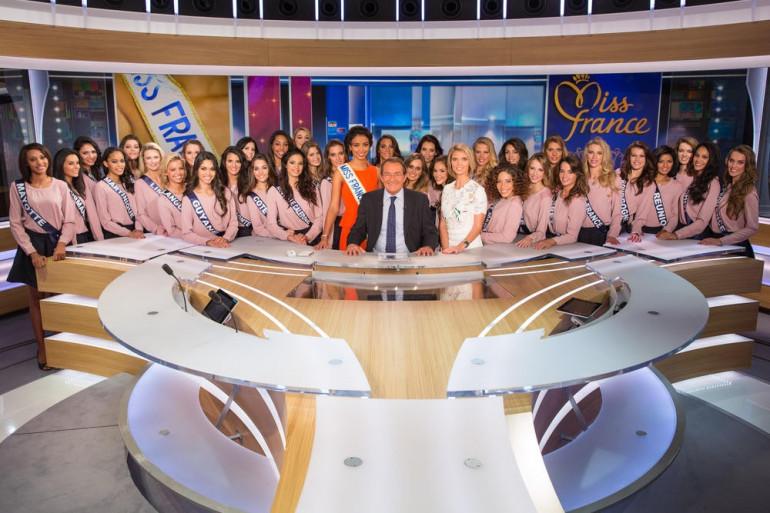 """Miss France 2015 : les 33 candidates sur le plateau du 13H de """"TF1"""""""
