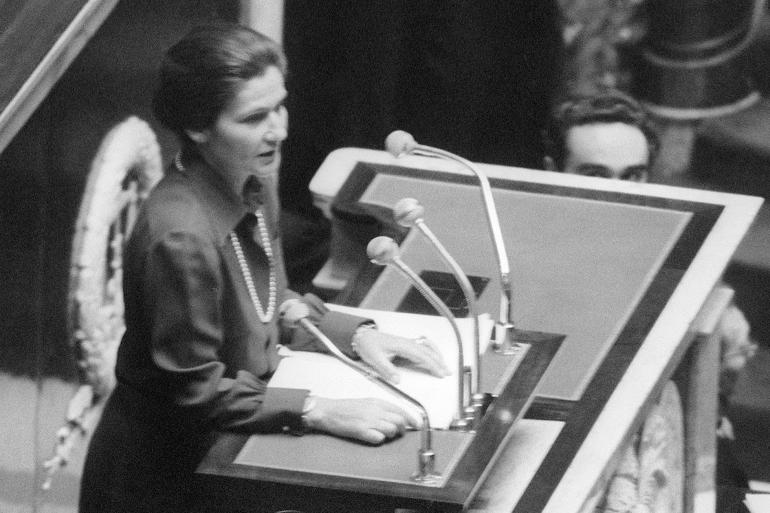 Simone Veil lors de son fameux discours sur le droit à l'IVG, le 26 novembre 1974.