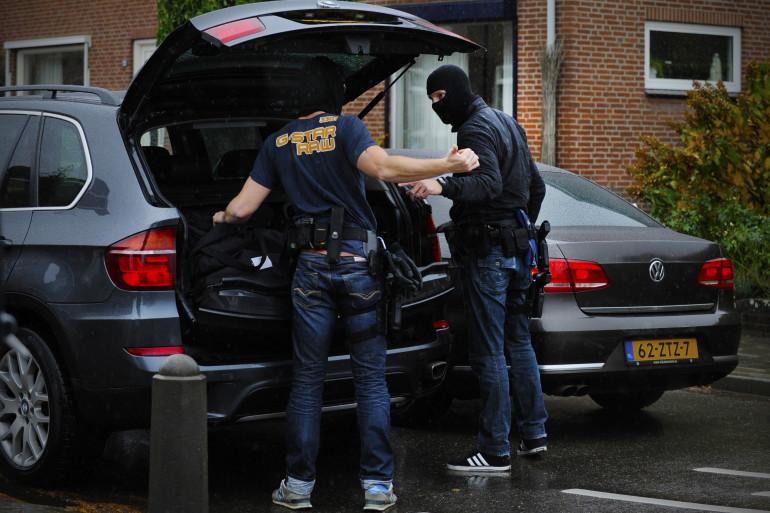 Les policiers néerlandais en tenue d'intervention à Reuver (sud-est du pays). (Illustration)