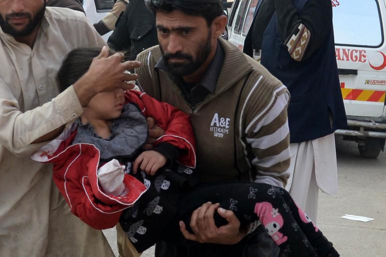 Les rebelles talibans du TTP ont tué plus de cent personnes dans une école pour enfants de militaires à Peshawar, au Pakistan
