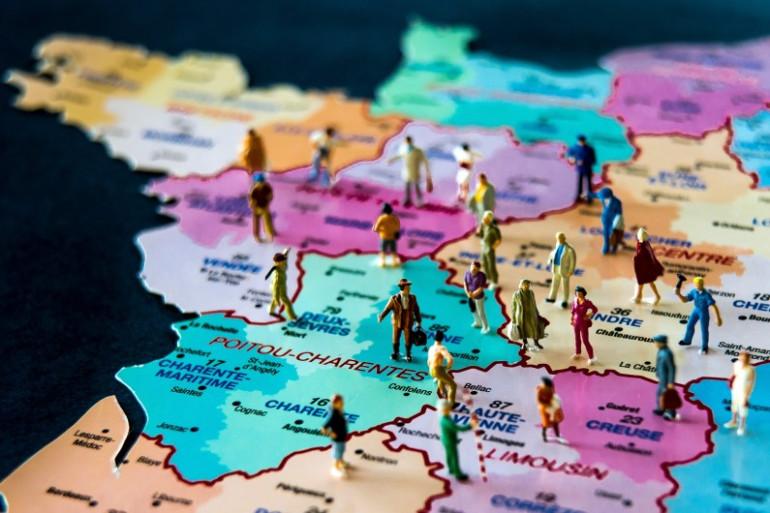 Les nouvelles régions, auxquelles il faut trouver un nom, entreront en vigueur le 1er janvier 2016