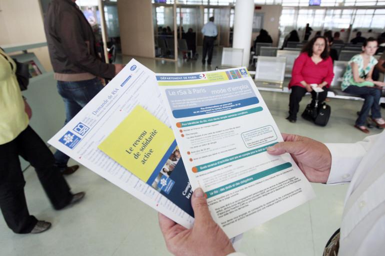 En France, 1,55 million de foyers touchent le RSA socle (illustration).