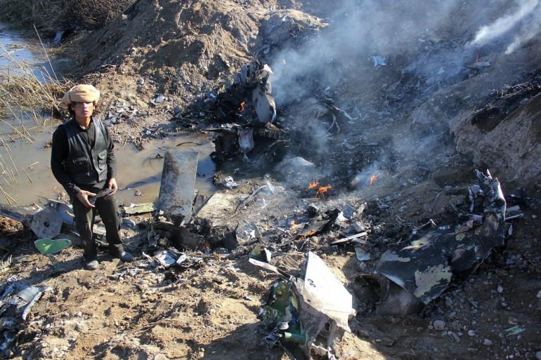 Les débris de l'avion jordanien qui s'est abattu à proximité de Raqa, en Syrie, le 24 décembre 2014.