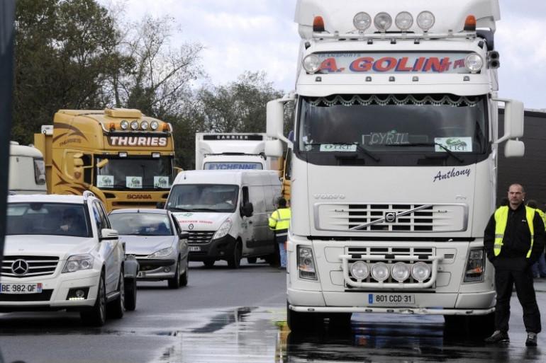 Des chauffeurs routiers à Toulouse, le 30 novembre 2013 (illustration)