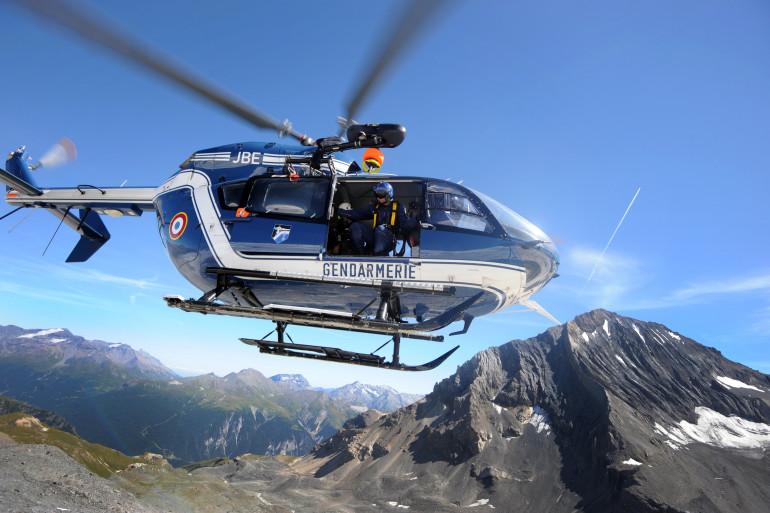Un hélicoptère du Peloton de Gendarmerie de Haute Montagne, dans le massif de La Vanoise, le 7 août 2012 (illustration).
