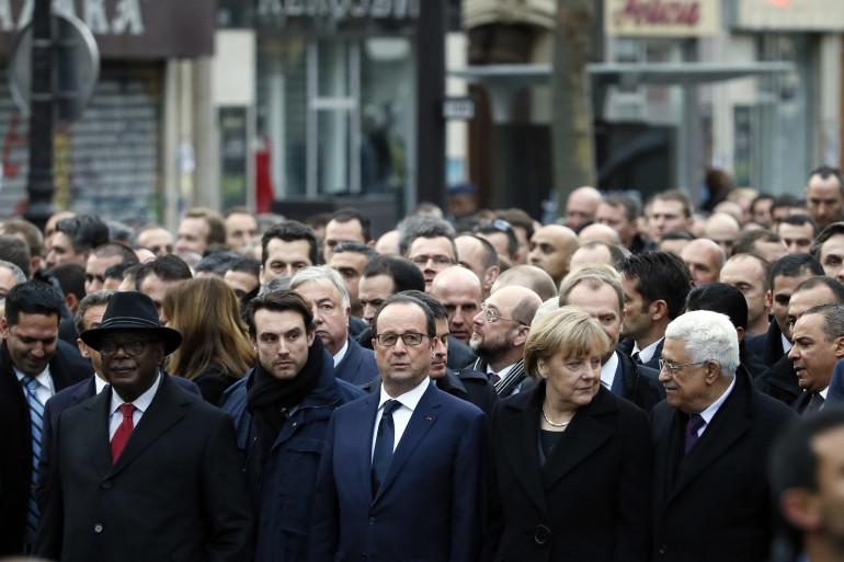 François Hollande entourés des dirigeants étrangers lors de la marche républicaine, le 11 janvier 2015, à Paris