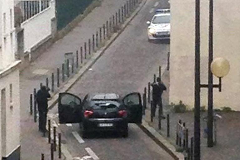 """Les théories du complot fleurissent après l'attaque contre """"Charlie Hebdo"""""""